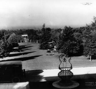 View down Montalvo&#39;s Front Lawn