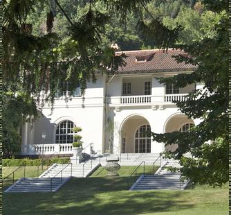 The historic Villa from the Great Lawn