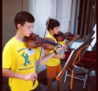 Young violinists in String Camp