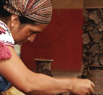 Making traditional Mexican pottery
