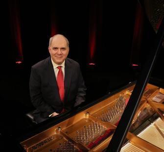Richard Glazier performs Rhapsody & Rhythm